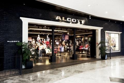 Alcott nel Centro Commerciale Campania
